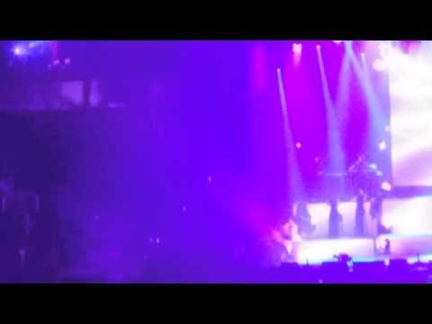 Ariana Grande Honeymoon Tour - Love me harder