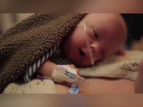 bayi lahir prematur..umurnya baru 3.5 bulan..ibunya tetep berjuang menyelamatkan anaknya..