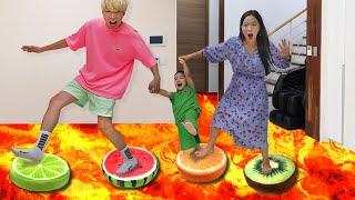 용암 탈출놀이 아기 방탈출하기 과일 쿠션 파란천 놀이 Escape to lava | 말이야와아이들 MariAndKids