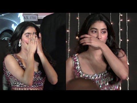 Jhanvi Kapoor Makeup Melting At Priyanka Chopra And Nick Jonas Wedding Reception