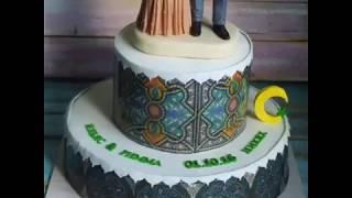 Аветорт - свадебный торт с фигурками жениха и невесты