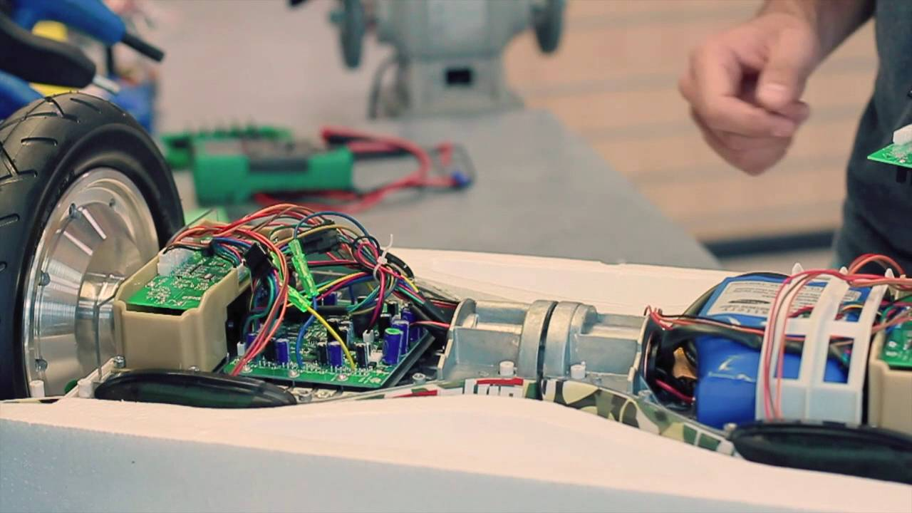 Федеральный сервисный центр чини-таун оказывает профессиональные технические услуги пользователям гироскутеров, а именно ремонт гироскутеров, диагностика и обслуживание. Благодаря первоклассному оснащению наших мастерских ремонт гироскутеров проводится на высшем уровне.