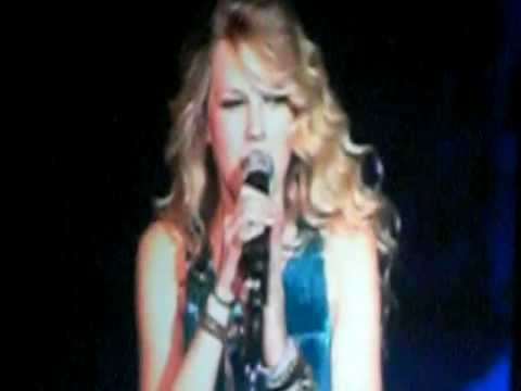 Taylor Swift Gets Pranked at the Last Concert! ~ Mohegan Sun Arena 11/2/08