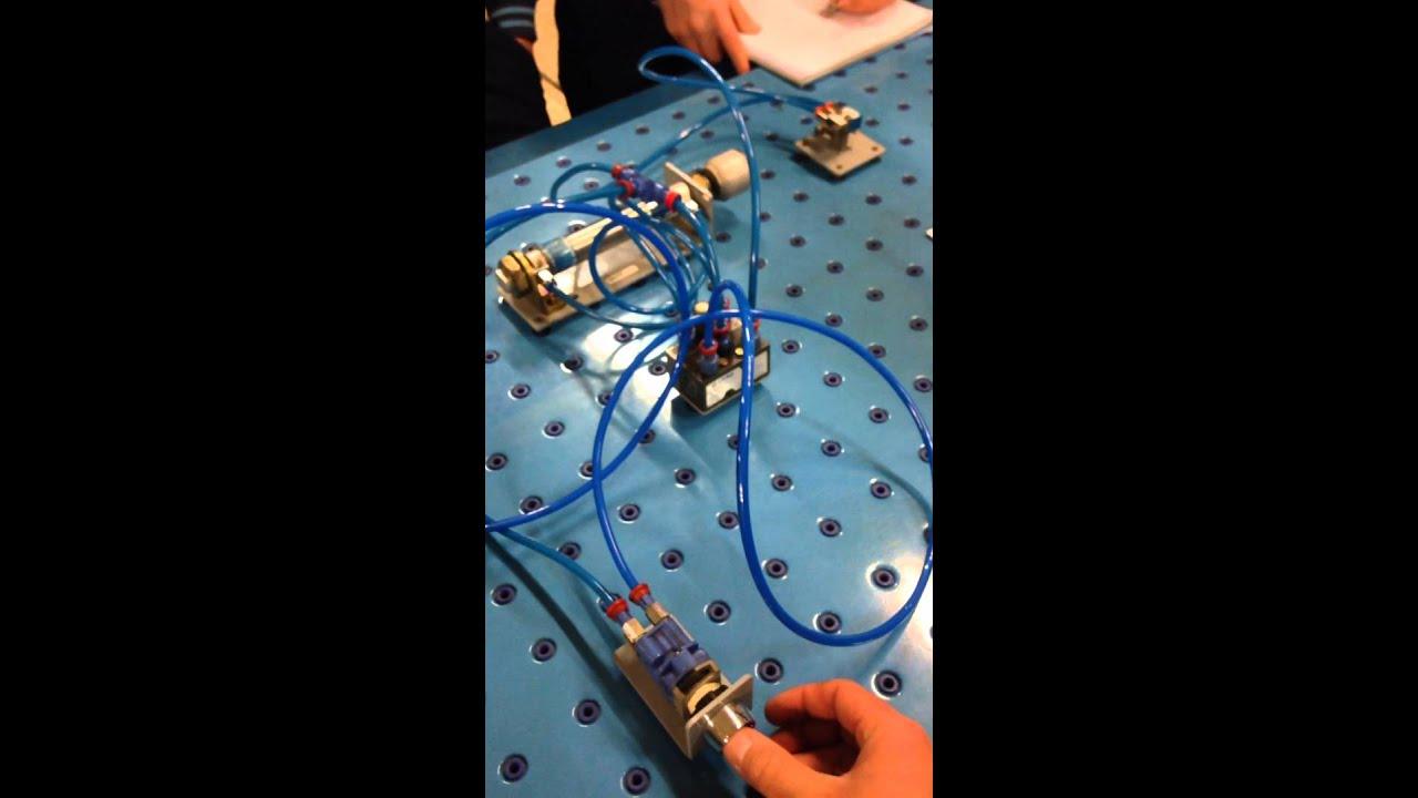 Circuito Neumatico Simple : Circuito neumatico con cilindro de doble efecto y pulsador cipfp
