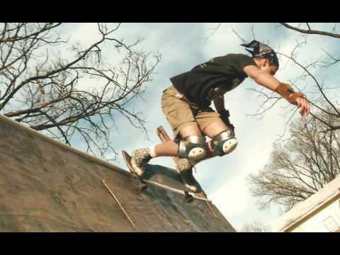 GRAVEHUFFER    Shut Up And Skate video