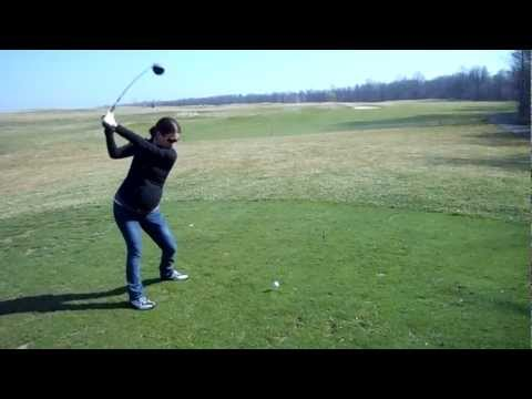41+ weeks pregnant and golfing!