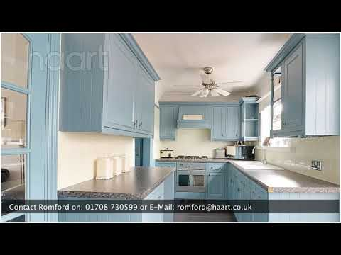 Semi-Detached House for sale in Romford, with 2 Bedrooms