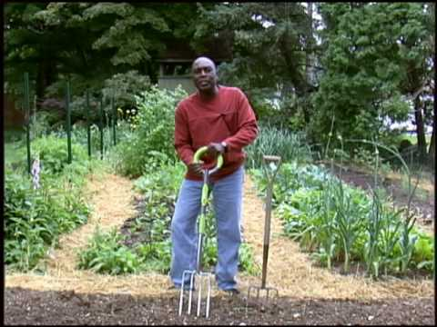 Try The NRG Radius Garden Pro Digging Fork   YouTube