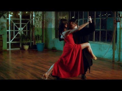 Смотреть клип Rob Soul - Perfume