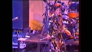 TSHALA MUANA CONCERT UTRECHT (PAYS-BAS) LE 19-09-1992