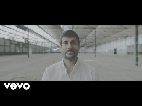 Смотреть клип Melendi - Tan Tonto Como Tú