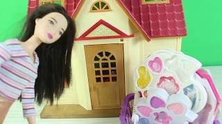 Barbie Makyaj Yapıyor Barbie Nasıl Makyaj Yapacak? Hangi Renkleri Kullanacak?