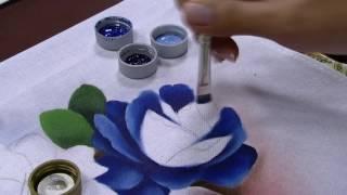 Vaso com rosa azul – Ana Laura Rodrigues PT2