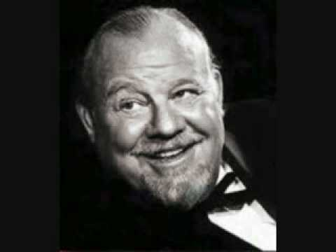 Burl Ives - The Foggy, Foggy Dew (English folk song)