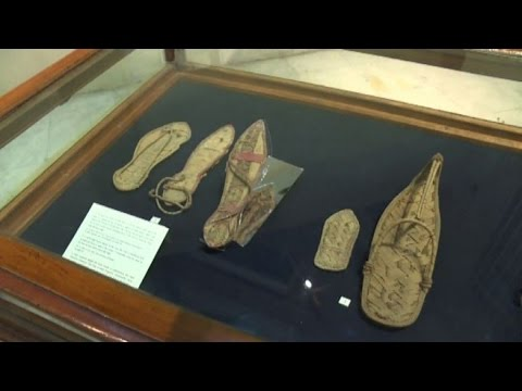 best service 883ca 32a3a Ecco i sandali di Tutankhamon: le scarpe nell'antico Egitto