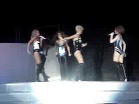 Girls Aloud - Girl Overboard (Warwick Castle 04.07.08)