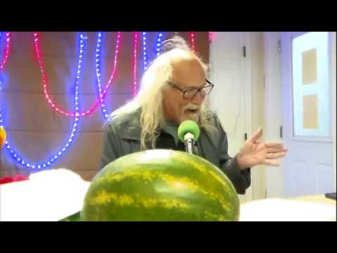 """Legendary Comedian Gallagher reading """"Twas The Night Before Christmas"""" on WWGH Radio 107.1FM (2017)"""