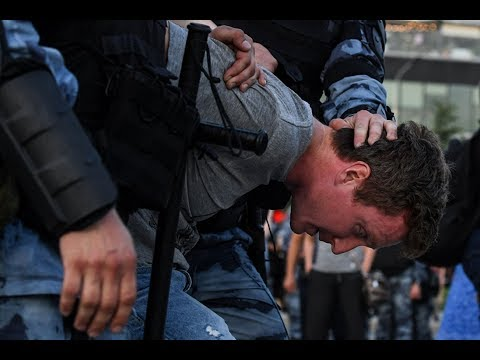Russian Police Crackdown On Opposition Protest