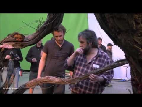 The Battle Of The Five Armies - Exhausted Sir Peter Jackson With Delays And  Pressure Needed A Break