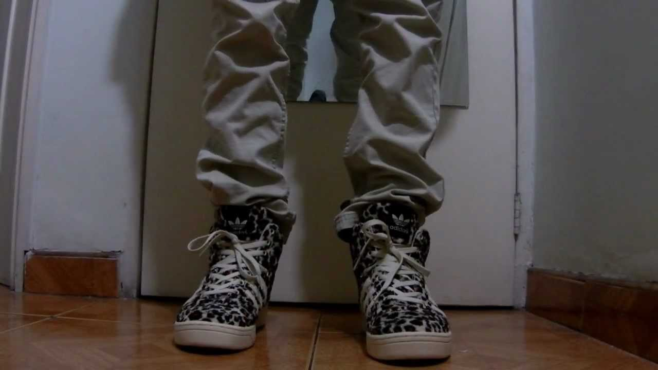 premium selection 83996 e09aa Jeremy Scott Leopards Review + On Feet ! - YouTube