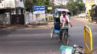 Cycle Rickshaw stunt in Delhi