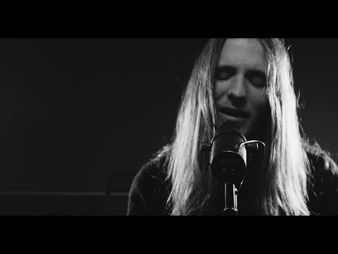 I SEE STARS - Two Hearted - Acoustic (Official Music Video)
