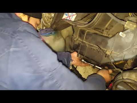 VW LT35. Лопнул патрубок печки и его замена