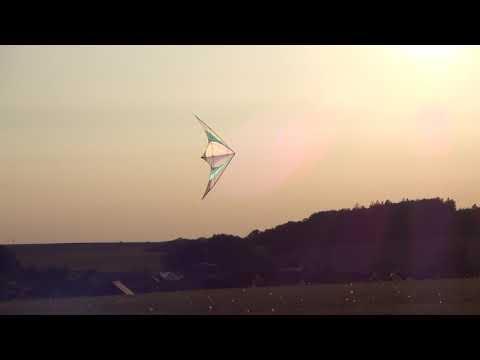 FlyKites Funtastik FR stunt kite - floaty fun flying