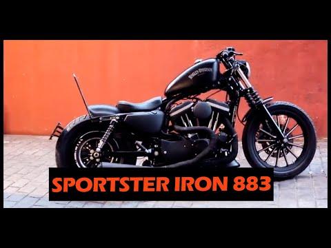 Harley Davidson Sportster 883 Bobber (Black Mamba)