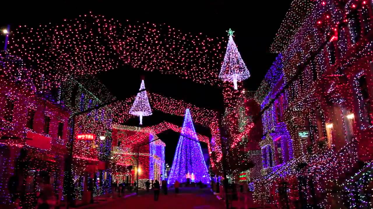 Osborne Family Spectacle of Dancing Lights 2009 - Mad ...