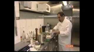Арам Мнацаканов готовит 'Оливье'