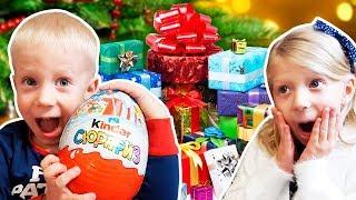 ЧТО ПОДАРИЛ Дед Мороз на НОВЫЙ Год МИЛАНЕ и ДАНЕ? Распаковка Подарков от Family Box Vlog