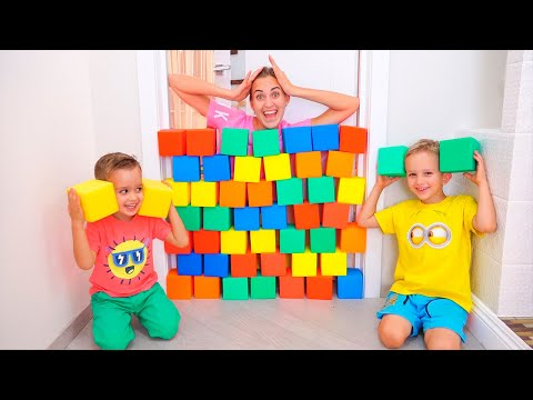 Nikita, Vlad and Mom Play with cubes