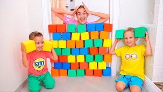 Nikita, Vlad and Mom Play with cubes thumbnail