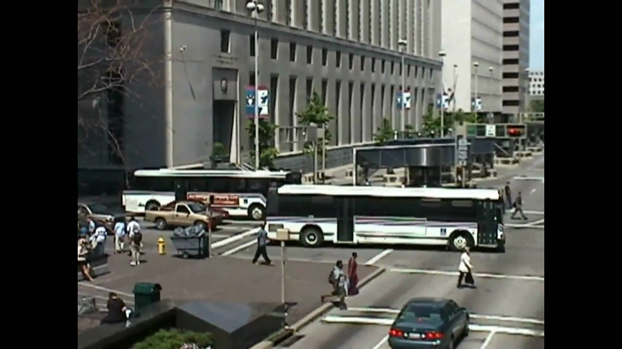 U Of Cincinnati >> Buses in Cincinnati - YouTube
