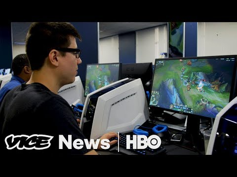 This College Student Receives Financial Aid For Playing Video Games (HBO)