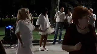 Нино!!!Народные танцы,сухой фонтан,Харьков!!!