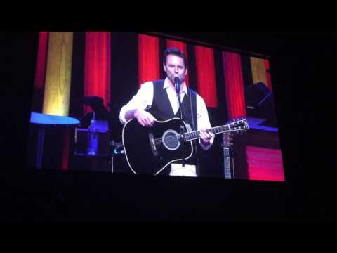 'Nashville' star Deacon appeals to fans at Grand Ole Opry