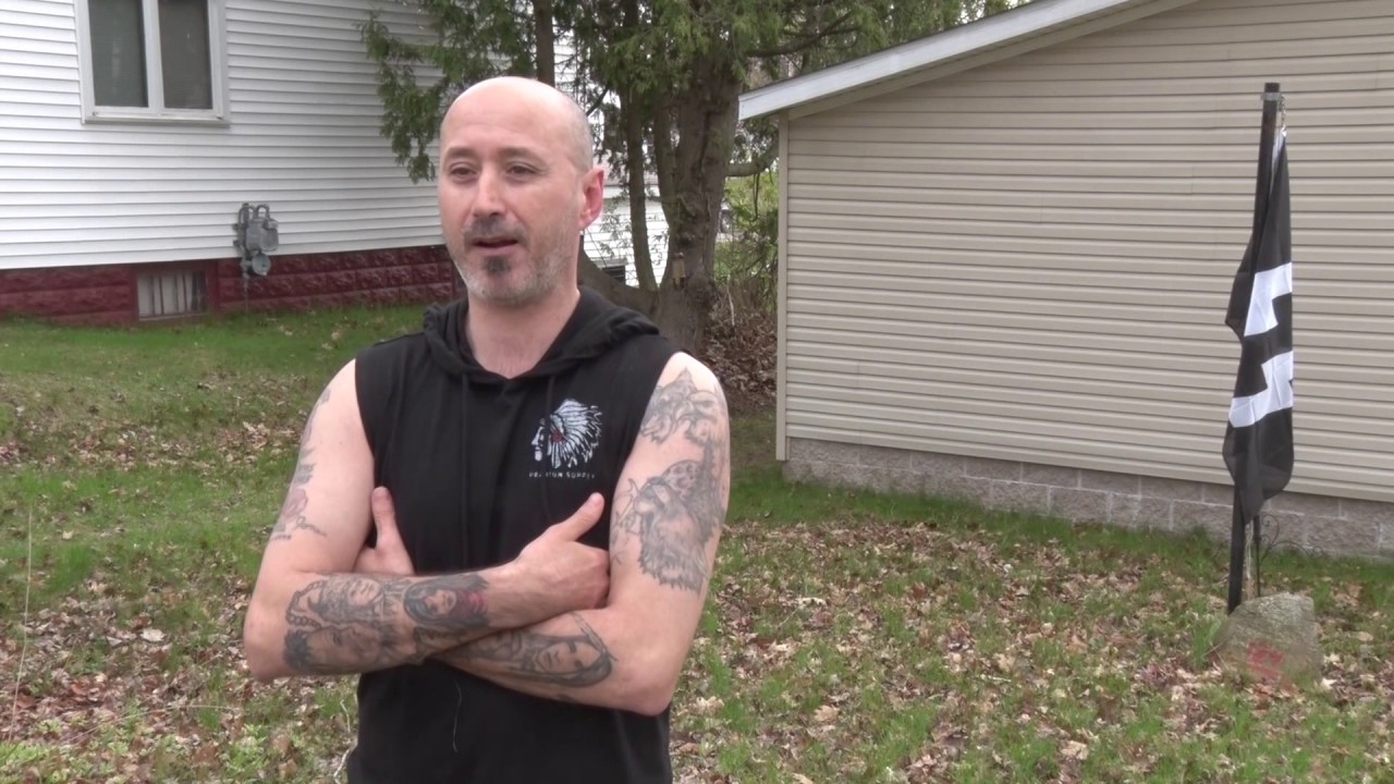 U P  man defends Nazi 'SS' flag in front yard: 'It's a battle flag    I'm  not racist'