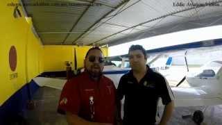 Entrevista a piloto aviador despues de vuelo largo