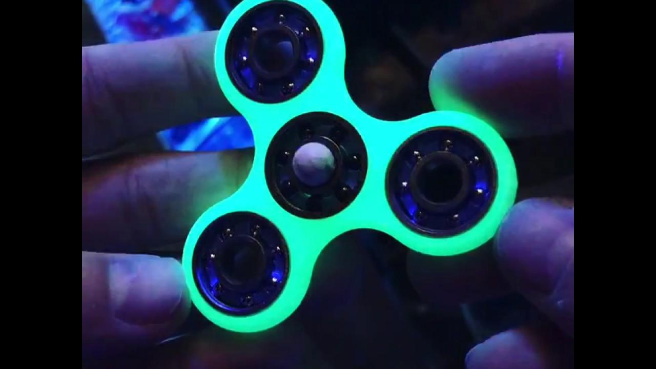 Glowing Fidget Spinner W Howlite Bead