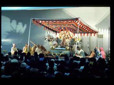 Prabhupada 0483 Jak możesz myśleć o Krysznie jeśli nie rozwinąłeś miłości do Niego