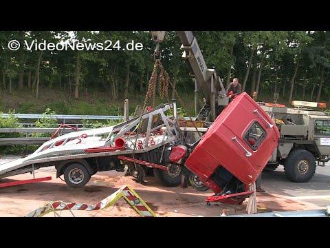 16.06.2016 - VN24 - Autotransporter Raste In Arbeitsfahrzeug Auf Der A44 Bei Werl - Vollsperrung