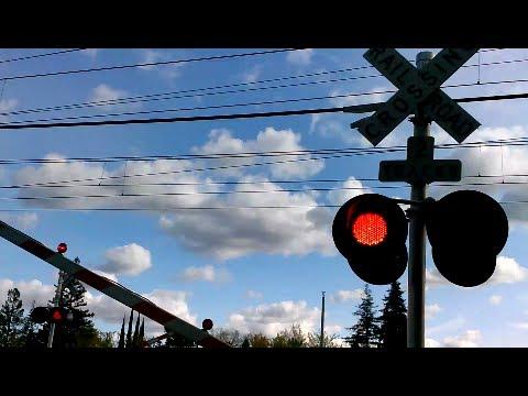 Sacrt 239 Light Rail 51st St Railroad Crossing
