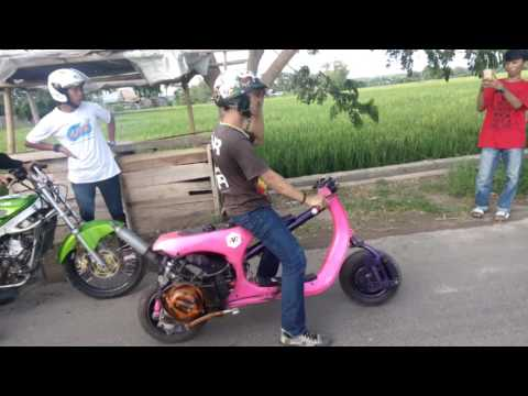 video drag Vespa AVR vs Ninja R