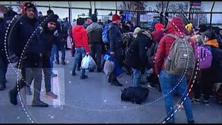 Több száz fős migránscsoport tartja nyomás alatt a magyar határt