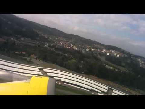 Despegue desde Alvedro ( A Coruña ) del Vueling 7100 con destino a Londres