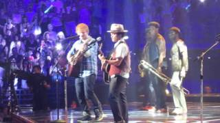 Repeat youtube video Ed Sheeran & Bruno Mars live - The A Team - Scottrade Center St. Louis, MO - 8-8-13
