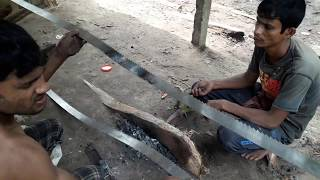 Dangerous Way of Fixing Wood Cutting Blade in Saw Mill Bangladesh/Blade Fixing In Saw Mill to Cut