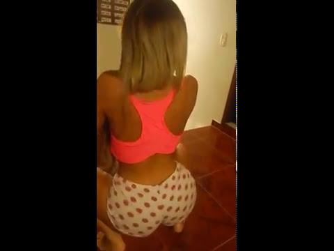 Novinha rabuda dancando playlist de funk - 5 2